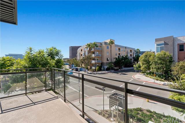 102 Tribeca, Irvine, CA 92612 (#302316668) :: Whissel Realty
