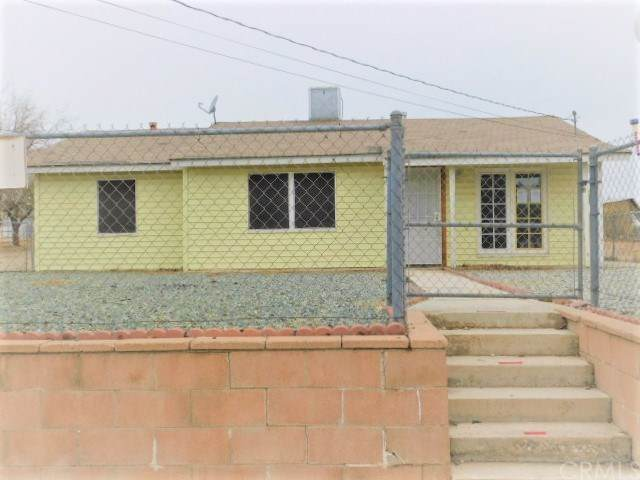 11338 4th Avenue, Hesperia, CA 92345 (#302317111) :: Whissel Realty