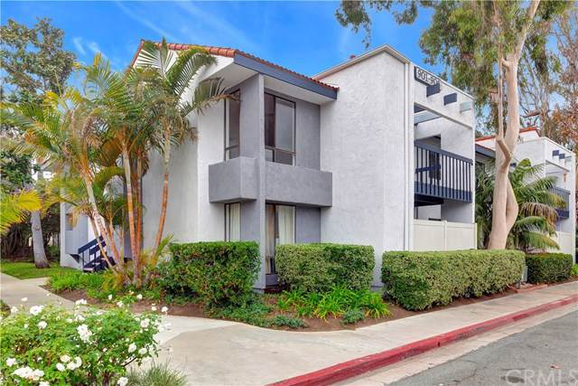 2323 Huntington Street #904, Huntington Beach, CA 92648 (#302317482) :: Whissel Realty