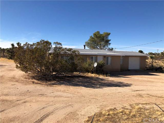 3490 Indio Avenue, Yucca Valley, CA 92284 (#302320105) :: Whissel Realty