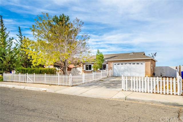 18040 Juniper Street, Adelanto, CA 92301 (#302321808) :: Pugh-Thompson & Associates