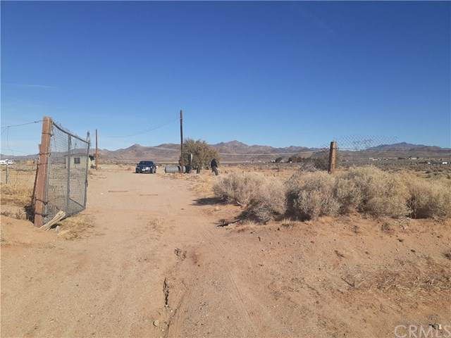 33522 Haynes, Lucerne Valley, CA 92356 (#302324369) :: Whissel Realty