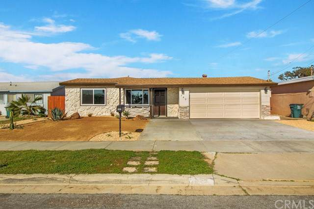 742 Hemlock Avenue, Imperial Beach, CA 91932 (#302394818) :: COMPASS