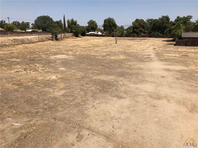 704 N Chester, Bakersfield, CA 93308 (#302397958) :: Whissel Realty
