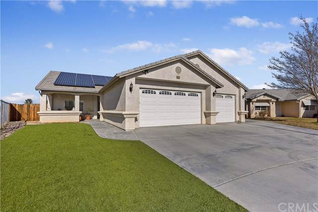 16622 Country Ranch Court, Victorville, CA 92395 (#302401486) :: Whissel Realty