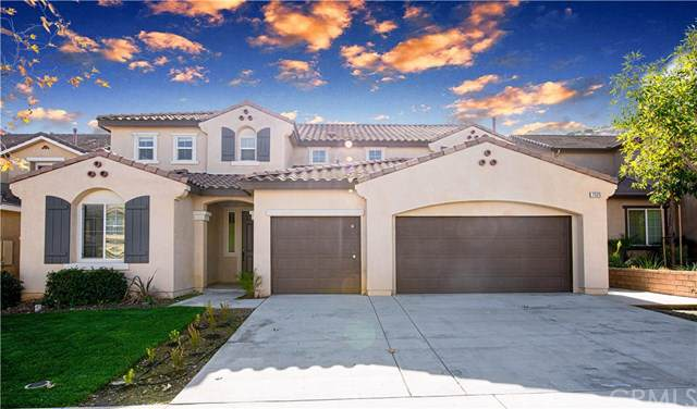 7525 Sanctuary Drive, Corona, CA 92883 (#302401775) :: Compass
