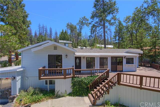 39571 Saunders, Bass Lake, CA 93604 (#302402433) :: Whissel Realty