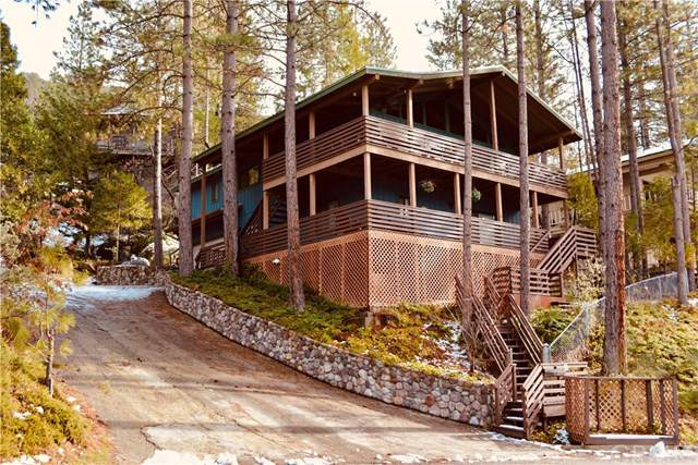 37743 Shoreline Drive, Bass Lake, CA 93604 (#302403802) :: Whissel Realty