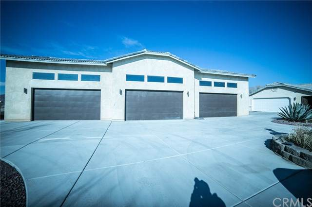 39449 Mountain View Road, Yermo, CA 92398 (#302403951) :: The Yarbrough Group