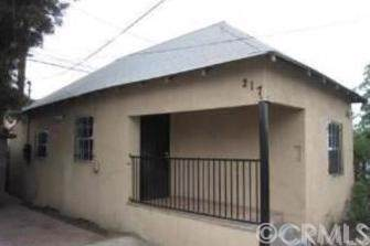 217 East 52nd Street, Los Angeles, CA 90011 (#302404366) :: The Stein Group