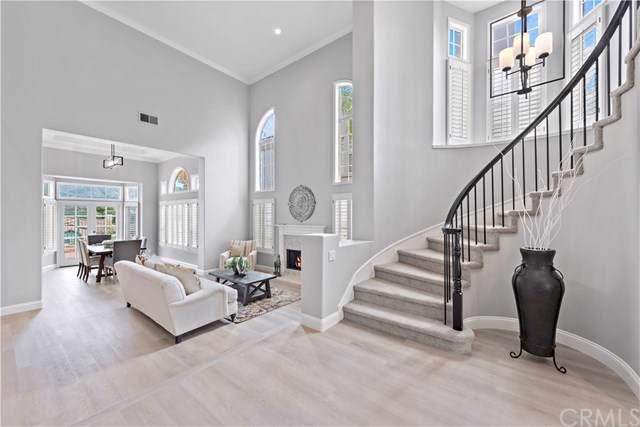 16 Thorn Oak, Rancho Santa Margarita, CA 92679 (#302408150) :: Cane Real Estate