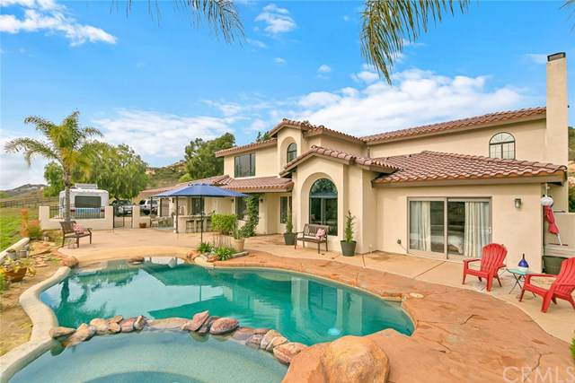 19870 Hitt Lane, Murrieta, CA 92562 (#302408263) :: Cay, Carly & Patrick | Keller Williams