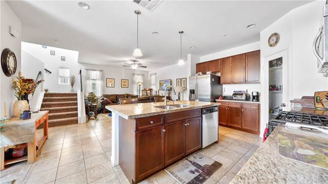 5876 Ginger Drive, Eastvale, CA 92880 (#302408798) :: COMPASS