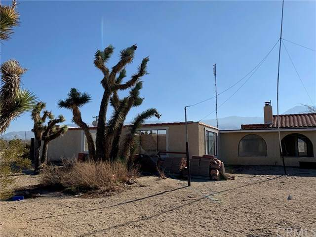 9561 Akron Road, Lucerne Valley, CA 92356 (#302414310) :: Whissel Realty