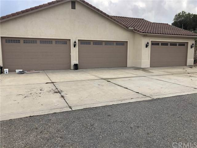 16275 Mackinzie Way, Valley Center, CA 92082 (#302418946) :: COMPASS