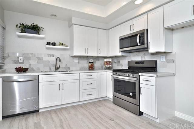 325 E Chapman Avenue D, Placentia, CA 92870 (#302428840) :: Keller Williams - Triolo Realty Group
