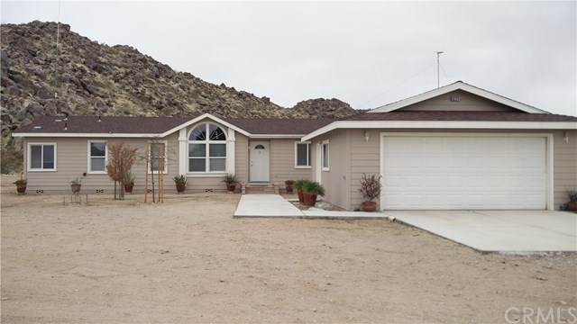 9224 Red Butte Road, Lucerne Valley, CA 92356 (#302432348) :: Whissel Realty