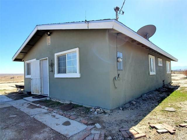 47400 120th Street, Lancaster, CA 93535 (#302432738) :: COMPASS