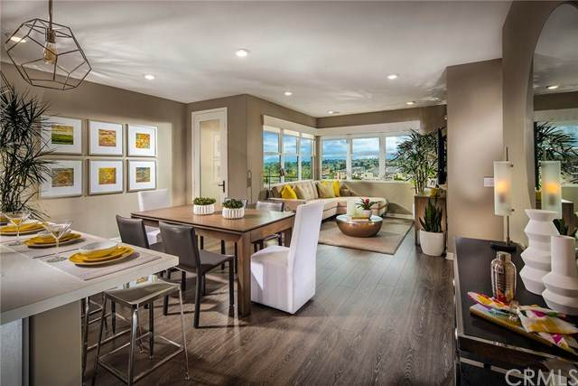 2874 Via Alta Place #70, San Diego, CA 92108 (#302436868) :: Whissel Realty