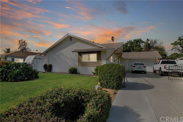 8337 Basswood Avenue, Riverside, CA 92504 (#302438384) :: Whissel Realty