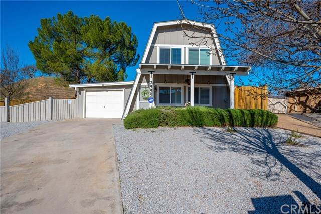 2555 Pinto Lane, Paso Robles, CA 93446 (#302440647) :: Keller Williams - Triolo Realty Group