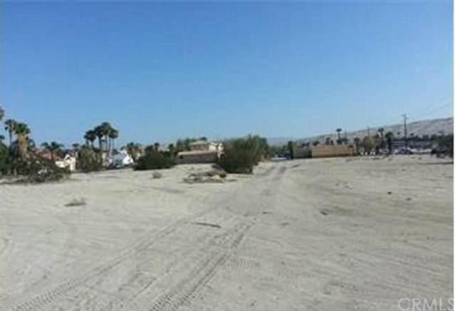 67516402 Avenida La Vista, Cathedral City, CA 92234 (#302441821) :: SunLux Real Estate