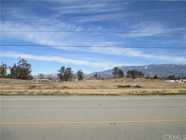 340 W 1st, Beaumont, CA 92223 (#302442443) :: Whissel Realty