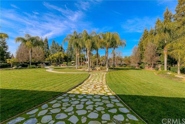 5268 Queen Elizabeth Drive, Atwater, CA 95301 (#302443994) :: Whissel Realty