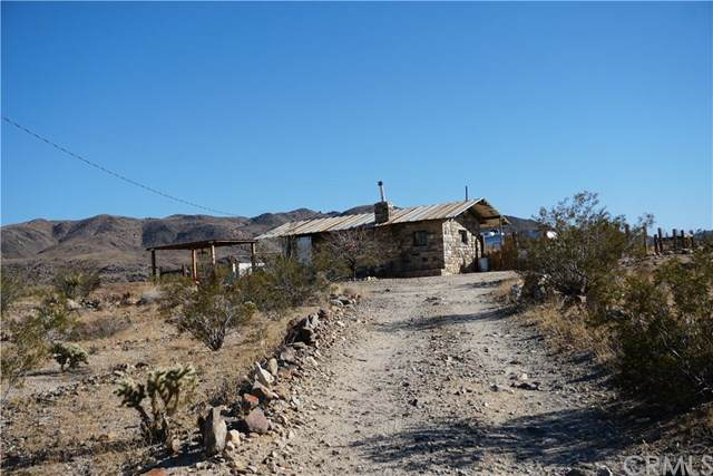 7707 Wilshire Avenue, 29 Palms, CA 92277 (#302445108) :: Coldwell Banker West