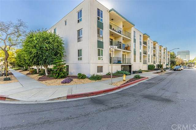 500 Jackson Place #112, Glendale, CA 91206 (#302446217) :: Coldwell Banker West