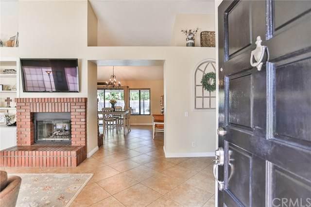 1321 Oakburl Circle, Corona, CA 92882 (#302446257) :: Coldwell Banker West