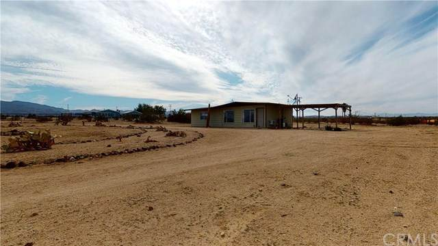 3990 Hilltop Drive, 29 Palms, CA 92277 (#302448884) :: Coldwell Banker West