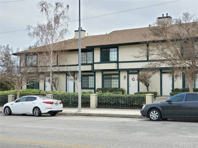 15230 Roxford Street #48, Sylmar, CA 91342 (#302464120) :: Keller Williams - Triolo Realty Group