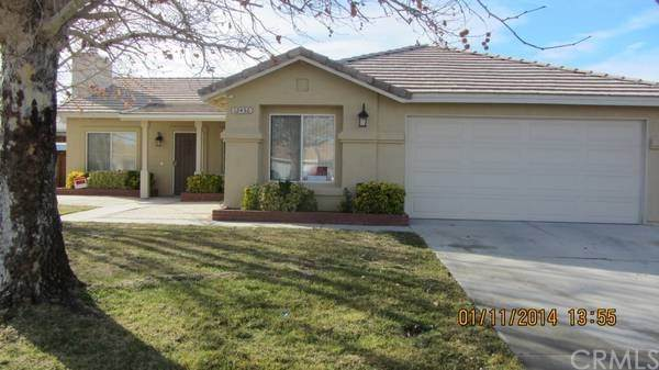 12436 Del Amo Way, Victorville, CA 92392 (#302470619) :: The Stein Group