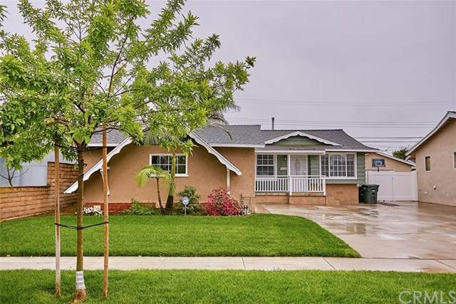 11428 213th Street, Lakewood, CA 90715 (#302473224) :: Whissel Realty