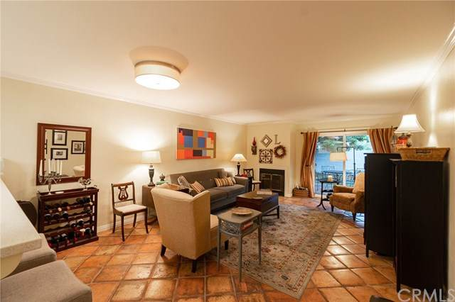 2599 Walnut Avenue #108, Signal Hill, CA 90755 (#302474195) :: Pugh-Thompson & Associates