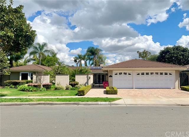 2306 Francisco Drive, Newport Beach, CA 92660 (#302475832) :: Keller Williams - Triolo Realty Group