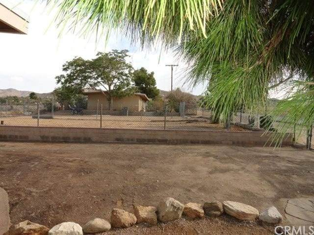 7934 Church, Yucca Valley, CA 92284 (#302478058) :: Compass