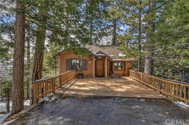700 Grass Valley Road, Lake Arrowhead, CA 92352 (#302479975) :: Compass