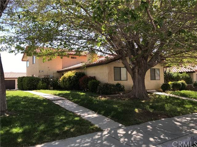 812 E Avenue J12, Lancaster, CA 93535 (#302480049) :: Keller Williams - Triolo Realty Group