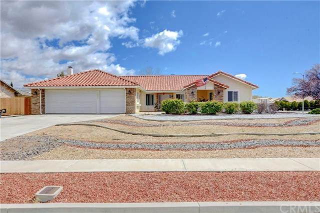 13931 High Falls, Apple Valley, CA 92307 (#302480748) :: Keller Williams - Triolo Realty Group