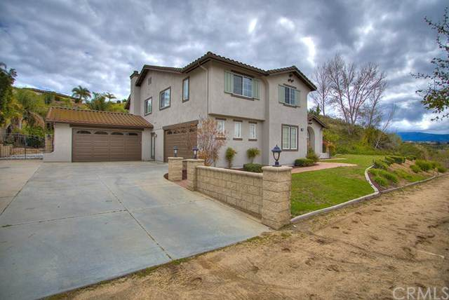 1443 Harness Lane, Norco, CA 92860 (#302481564) :: Keller Williams - Triolo Realty Group