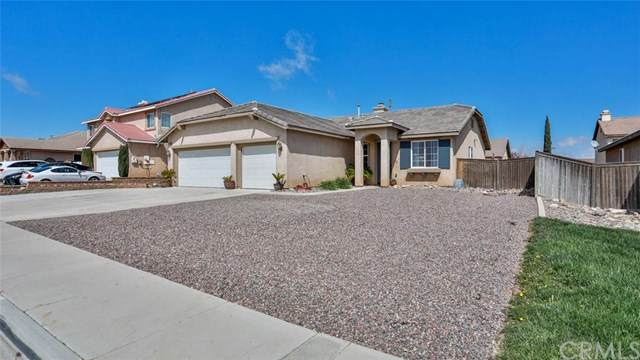 13388 Pleasant View Avenue, Hesperia, CA 92344 (#302482025) :: The Stein Group
