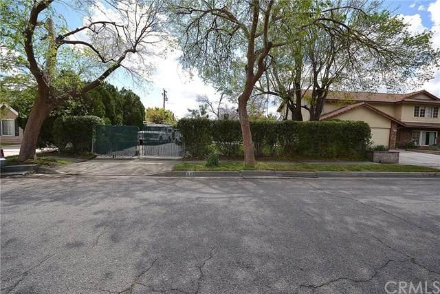 693 Dover, San Bernardino, CA 92407 (#302482860) :: COMPASS