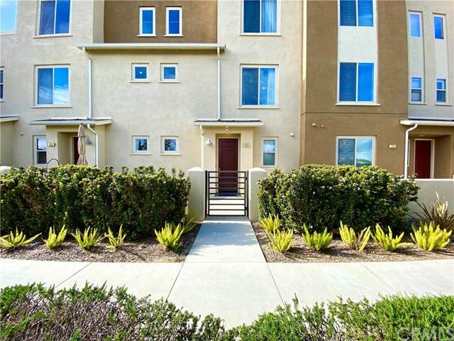 13131 Park Place #104, Hawthorne, CA 90250 (#302483050) :: The Stein Group