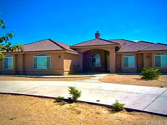 35767 Furst Street, Lucerne Valley, CA 92356 (#302483612) :: Whissel Realty