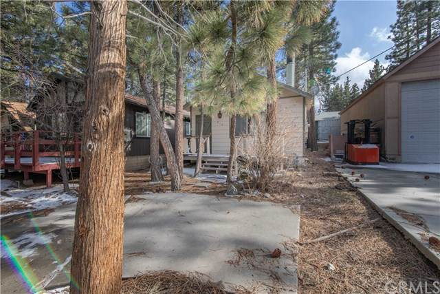 210 E Country Club Boulevard, Big Bear, CA 92314 (#302484607) :: Keller Williams - Triolo Realty Group