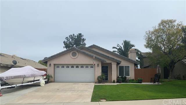 10374 Crossing Green Circle, Moreno Valley, CA 92557 (#302486024) :: Whissel Realty