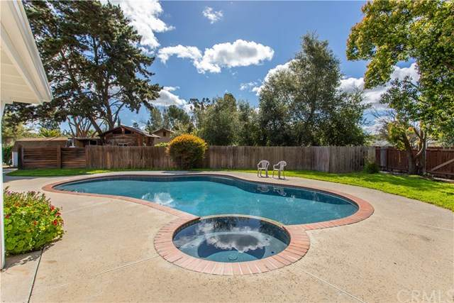 1241 Joy Road, Fallbrook, CA 92028 (#302486179) :: Keller Williams - Triolo Realty Group