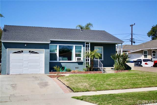 5635 Whitewood Avenue, Lakewood, CA 90712 (#302487307) :: The Yarbrough Group
